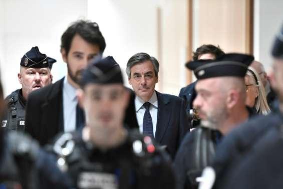A son procès, François Fillon déplore des