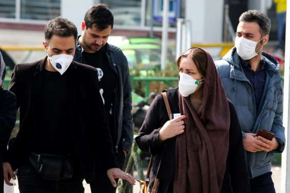 Virus: huit décès au total en Iran, des pays voisins ferment leur frontière