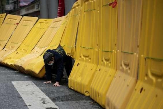 A Wuhan, les barrières entravent toujours le quotidien