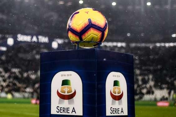 Italie: le foot dans l'attente du gouvernement et dans l'espoir du feu vert