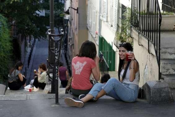 Les Français renouent avec leurs parcs, colère chez Renault