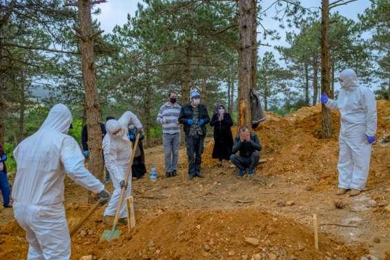 En Turquie, le coronavirus bouleverse les rites funéraires