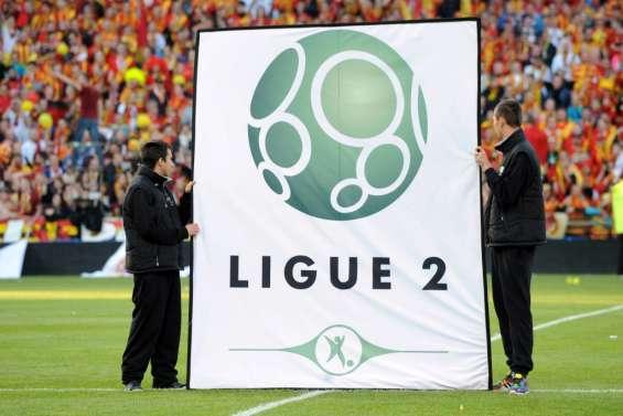 Les clubs valident une L2 élargie, la balle passe à la FFF