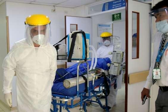Coronavirus: contagion galopante en Amérique, le Royaume-Uni assouplit la quarantaine