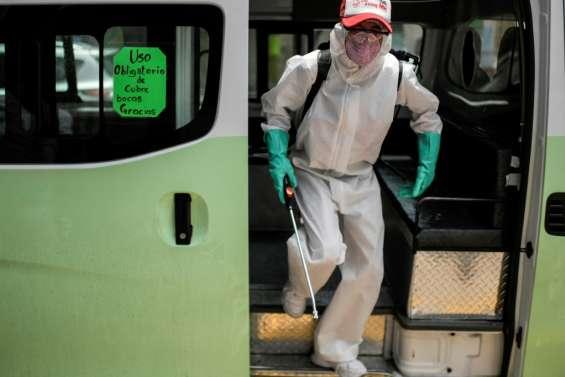 Virus: l'économie mondiale durement frappée, lourd bilan au Mexique