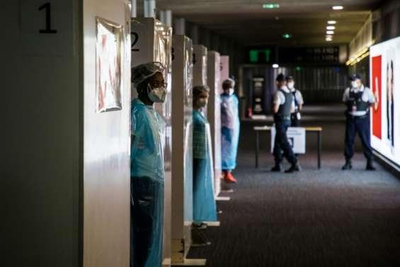Coronavirus: contrôles renforcés dans les aéroports face à l'augmentation du nombre de cas