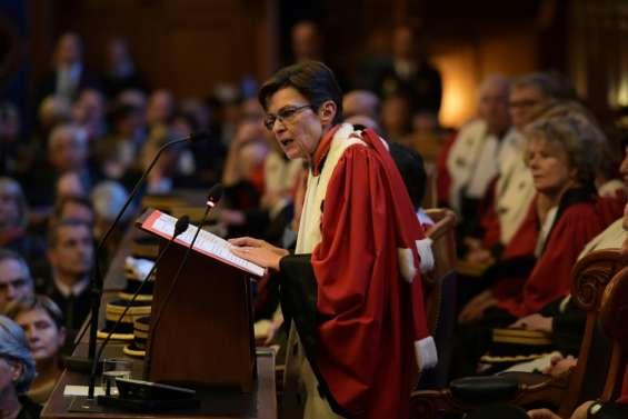 Affaire Fillon: la procureure générale de Paris dit n'avoir reçu