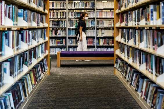 Hong Kong: des livres en faveur de la démocratie retirés des bibliothèques