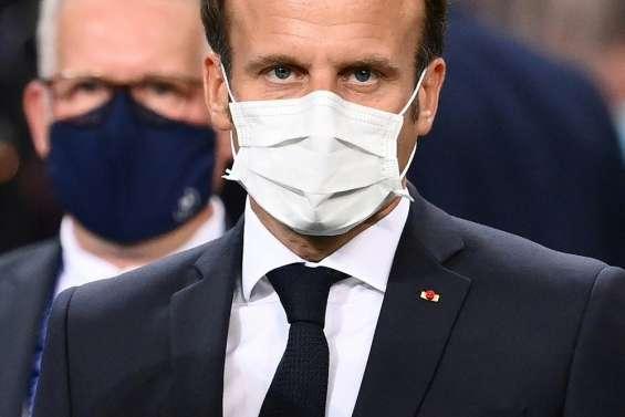 Aides à domicile: Macron annonce une enveloppe de l'Etat de 80 millions d'euros pour des primes Covid
