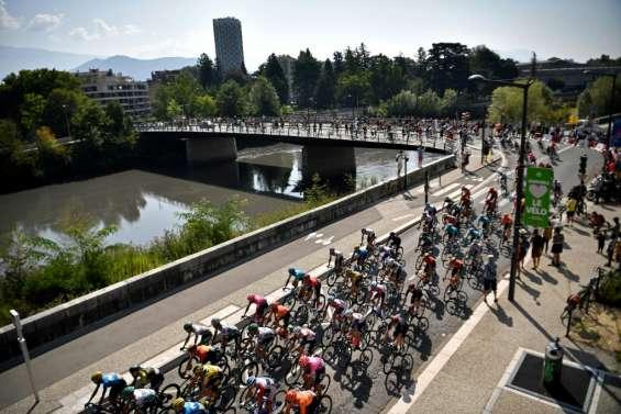 Tour de France: départ de l'étape reine vers l'intimidant col de la Loze