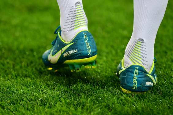 Football: Neymar signe avec Puma, qui tient sa tête d'affiche