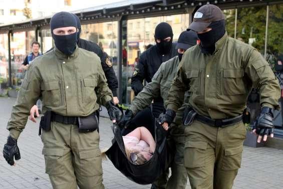 Bélarus: nouvelle marche de l'opposition attendue après la répression policière