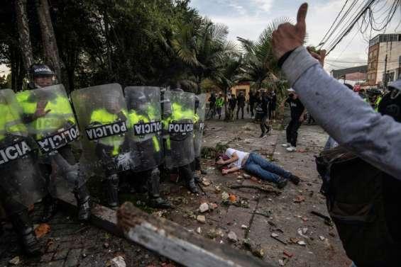 Colombie: les affrontements post-bavure reprennent, bilan réévalué à dix morts