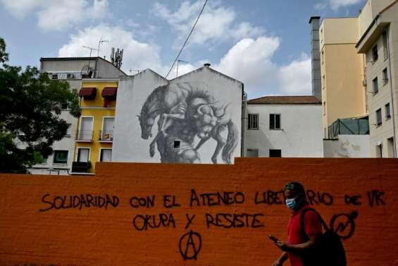L'Espagne dans l'attente des mesures de Madrid pour freiner la pandémie