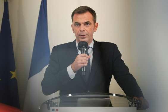 Covid-19: nouvelles restrictions à Lyon et Nice, peut-être à Marseille et en Guadeloupe, annonce Véran
