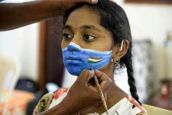 Virus: les Madrilènes restent à la maison, les Etats-Unis frôlent les 200.000 morts