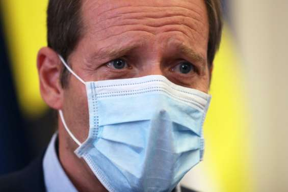 Le directeur du Tour de France positif, le peloton négatif