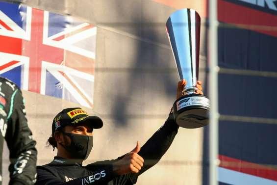 F1: Hamilton sort du chaos en Toscane, à une longueur du record de Schumacher
