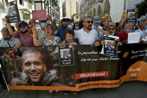 Algérie: le journaliste Khaled Drareni maintenu en prison, avalanche de protestations