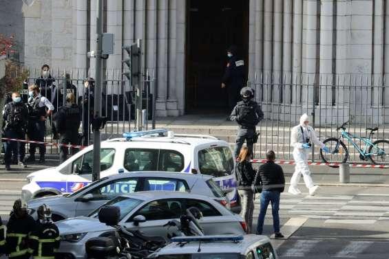 Trois morts dans une attaque au couteau en plein coeur de Nice, choc en France