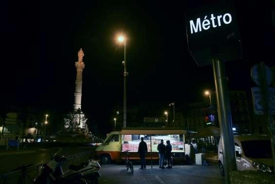 Covid: première soirée sous couvre-feu pour l'Île de France et huit grandes villes