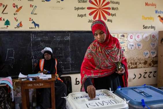 Les Tanzaniens aux urnes, l'opposition dénonce des