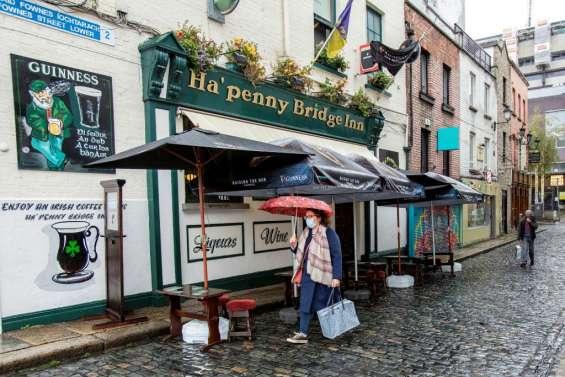 Virus: l'Irlande reconfine sa population, multiplication des restrictions