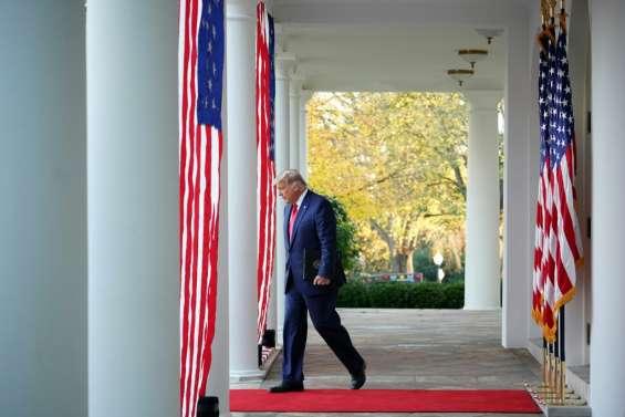 Trump s'enferre, se réfugie dans les tweets et retweets