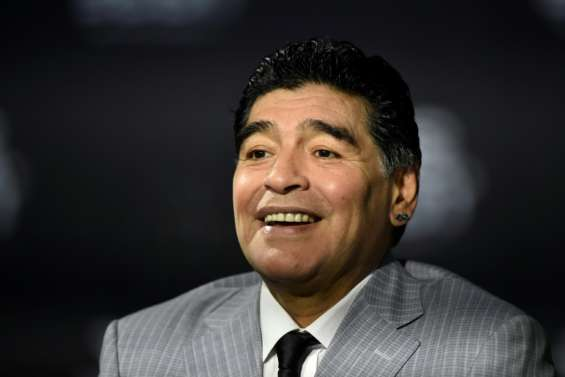 Diego Maradona, icône du football et de tous les excès