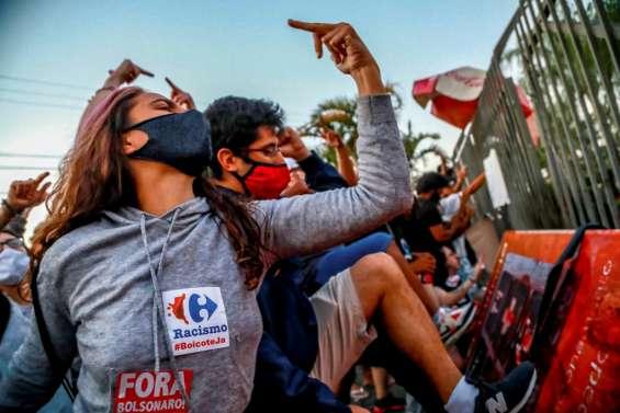 Brésil: indignation après la mort d'un Noir roué de coups par des agents de sécurité
