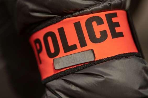 Un passage à tabac par des policiers amplifie la controverse sur l'article 24