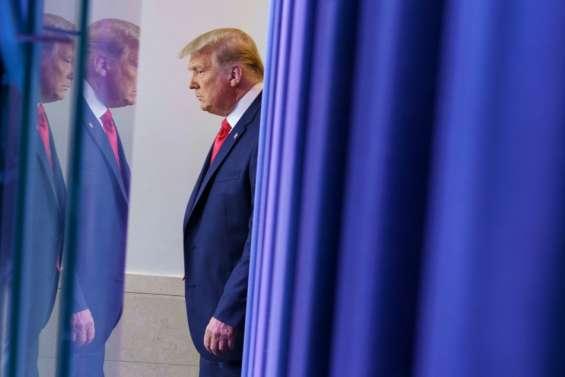 Trump gracie son ex-conseiller Michael Flynn, les démocrates dénoncent un