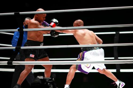 Boxe: malgré le nul, Tyson réussit son come-back à 54 ans contre Jones Jr
