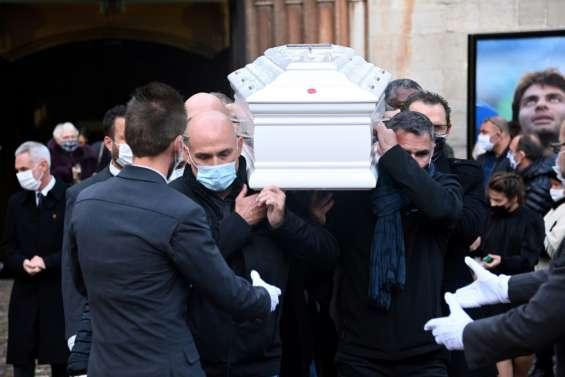 Des centaines de personnes aux obsèques de Christophe Dominici dans le Var, sa terre natale