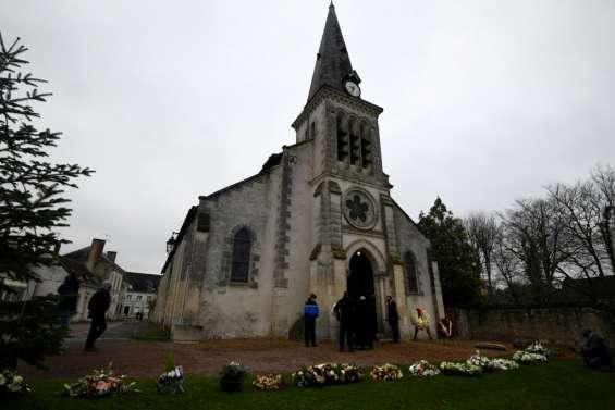 Obsèques de VGE: une cérémonie familiale limitée à trente personnes