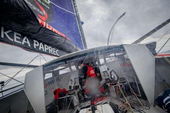 Vendée Globe: Simon renonce, Thomson pose le pied à terre