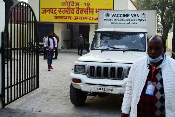 Covid-10: début de la vaccination en Inde, retards de livraison en Europe