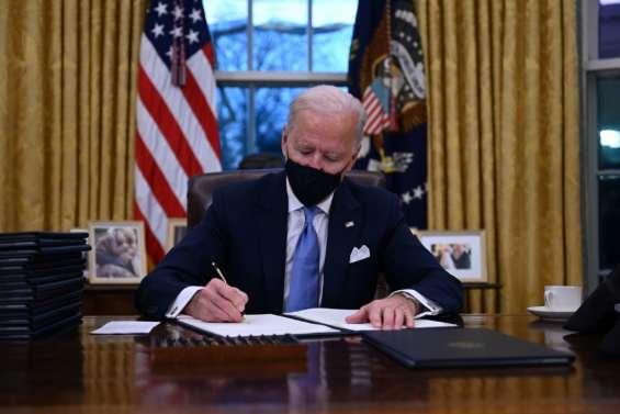 Biden, aux commandes de l'Amérique, s'attèle à la lutte contre la pandémie
