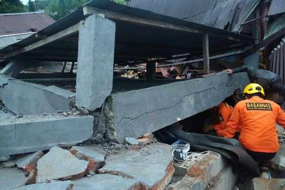 Le bilan d'un séisme en Indonésie monte à 34 morts