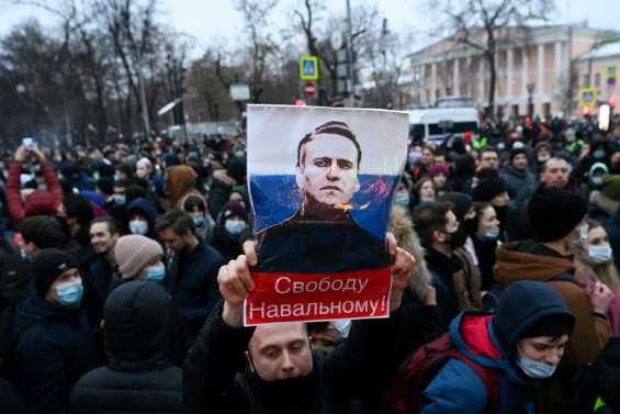 Russie: Navalny marque des points dans un combat à hauts risques avec le Kremlin
