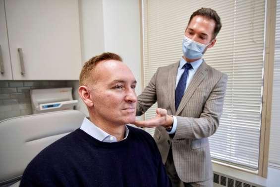 Aux États-Unis, l'ère Zoom booste la chirurgie esthétique en temps de pandémie