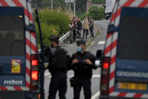 Une rave party illégale tourne à l'affrontement violent avec les forces de l'ordre en Bretagne