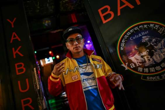 Il met du karma dans son slam: MC Tenzin, rappeur tibétain