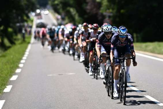 Tour de France: le début de la 19e étape émaillé de chutes