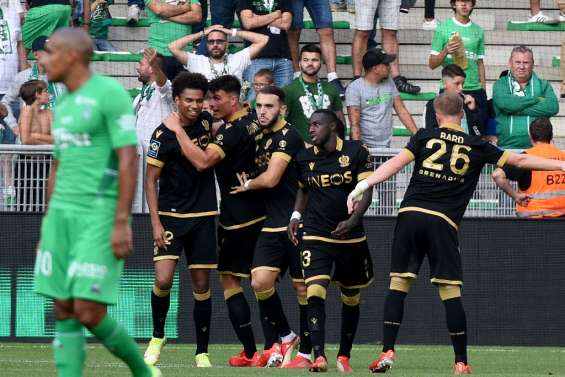 Ligue 1: Saint-Etienne coule, Lille remonte