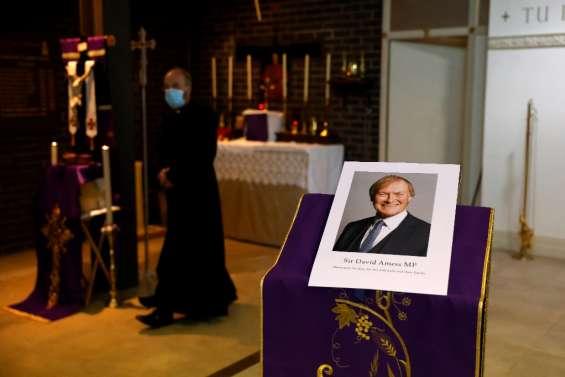 GB : après la mort du député David Amess, la sécurité sur le devant de la scène