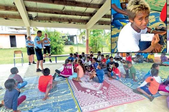 Une quarantaine d'enfants de Hnathalo décrochent le permis piéton