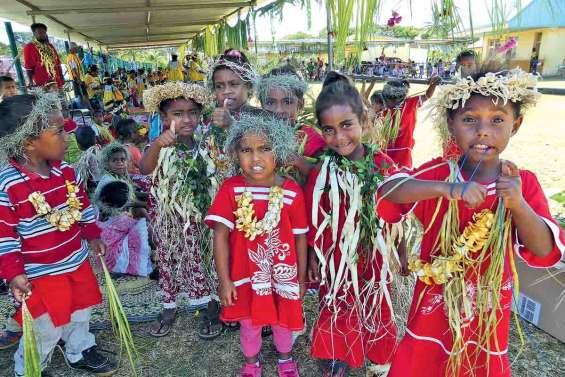 Les élèves de maternelle ont fêté la langue et la culture nengone