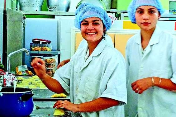 Un buffet aux quatre saveurs A NOTER préparé par les élèves