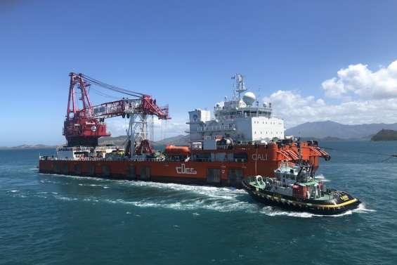 [VIDÉO] L'impressionnante barge chinoise Cali est arrivée en Nouvelle-Calédonie pour démanteler le Kea Trader